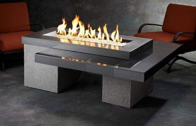Outdoor greatroom uptown chat height black gas fire pit for Table exterieur moderne